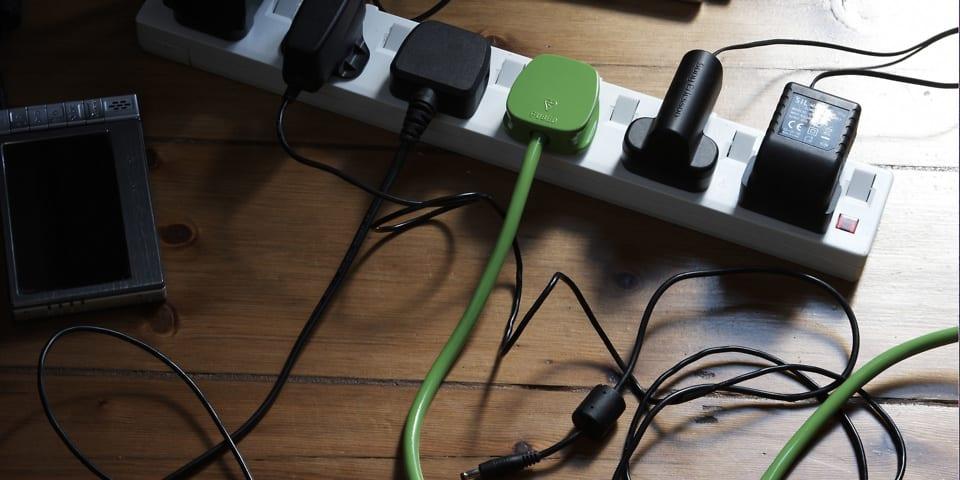 如何避免家里的插座过载?小编教你怎么做