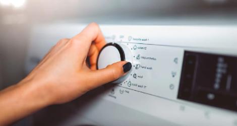 节省能源的10种洗衣方法:高效使用洗衣机和烘干机的简单技巧